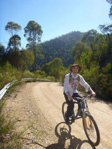 P1000429 Penno riding mountain bike (2s)