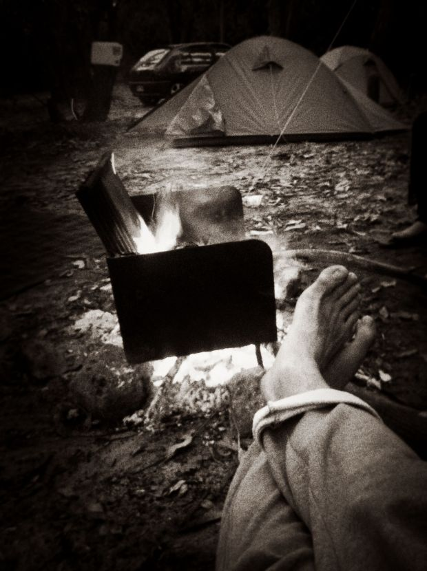 Camping + fire + winter = bliss